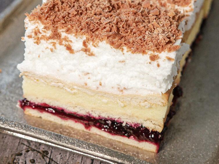 Ciasto 3 BIT z dżemem porzeczkowym