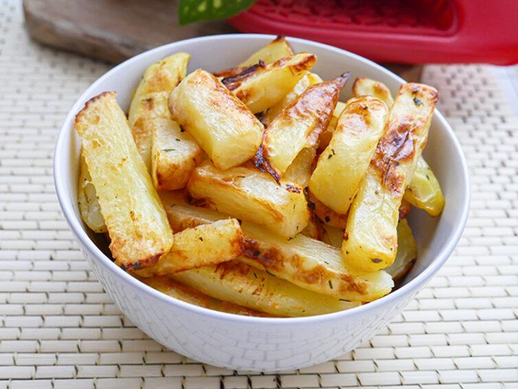 Domowe frytki z młodych ziemniaków